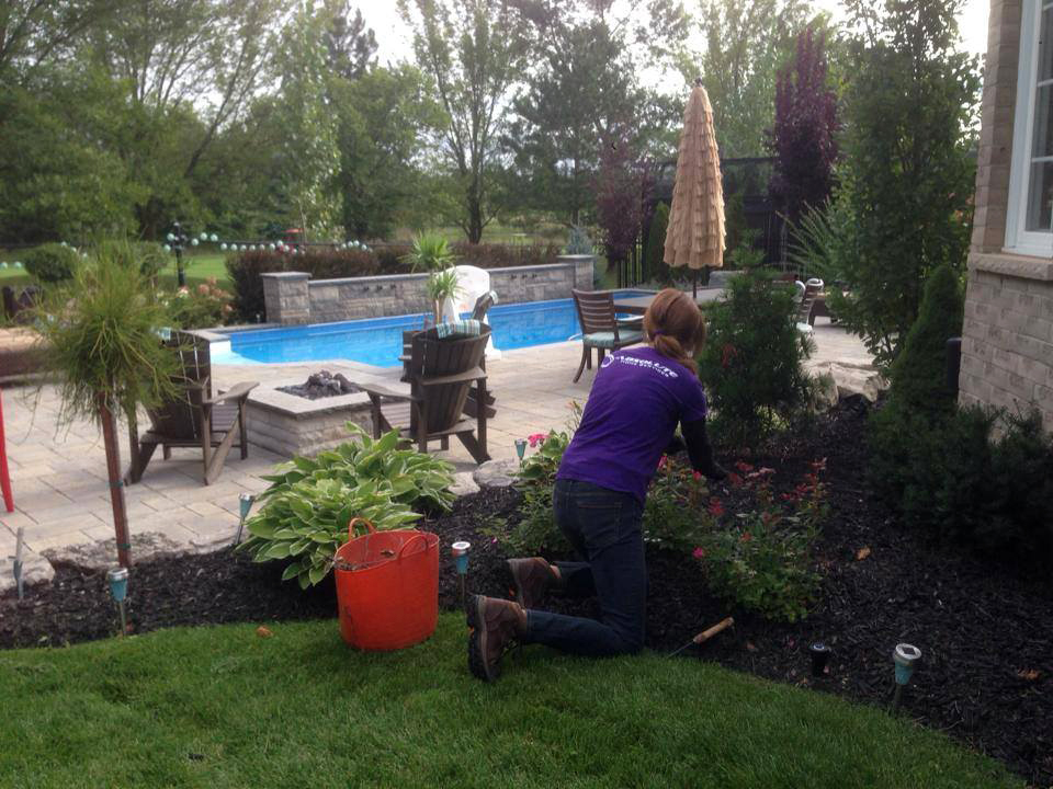 woman doing prefessional Landscape Construction
