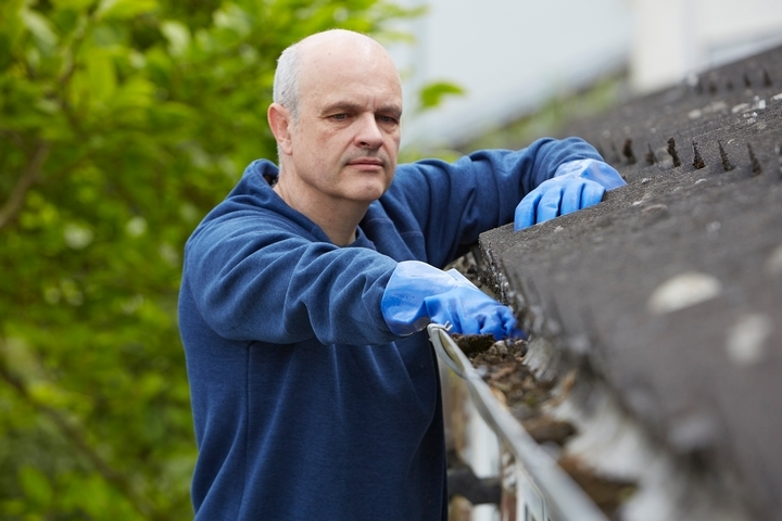 Clean the eavestroughs carefully.
