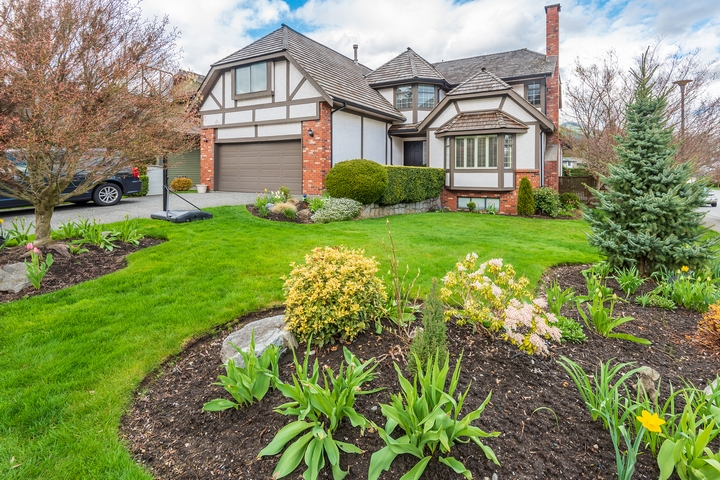 10 Popular Ideas to Transform Your Front Yard Landscaping ...